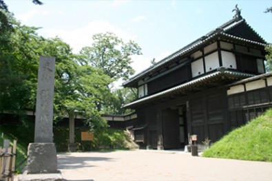 弘前城三の丸 追手門