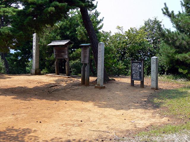 春日山城 本丸跡