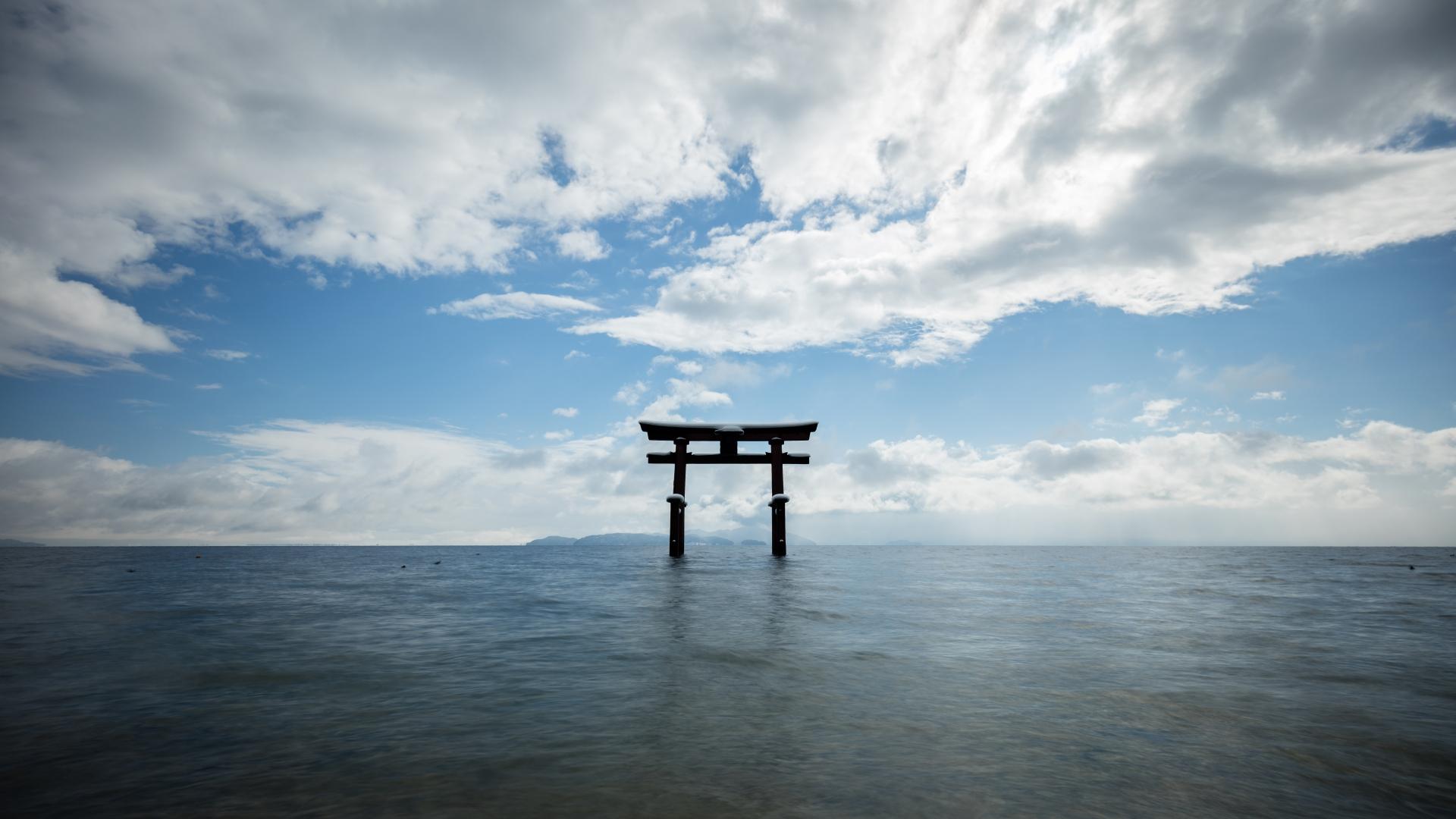 琵琶湖白髭神社